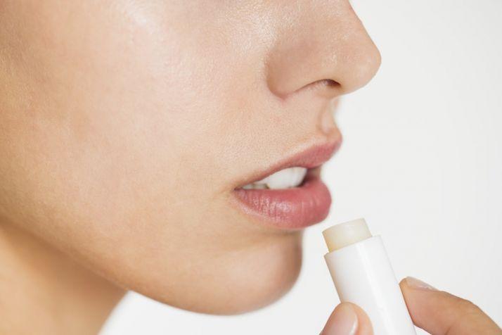 CBD to treat chapped lips