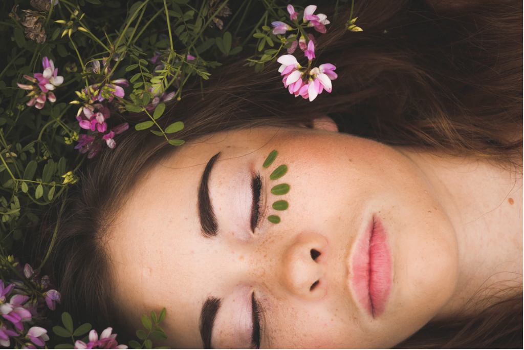 4 Ways CBD Products Can Improve Your Skin Care Routine