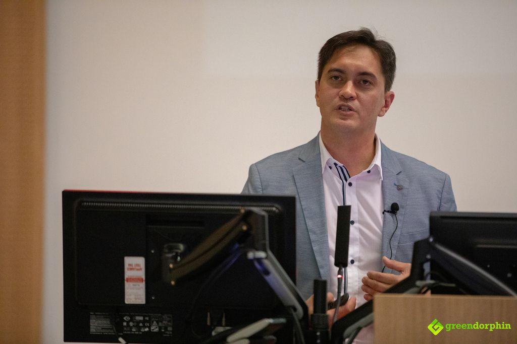 Dr John Teh at MCRA event