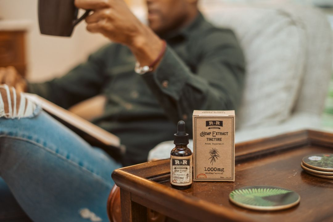 4 Ways to Make CBD Oil Part of Your Daily Ritual