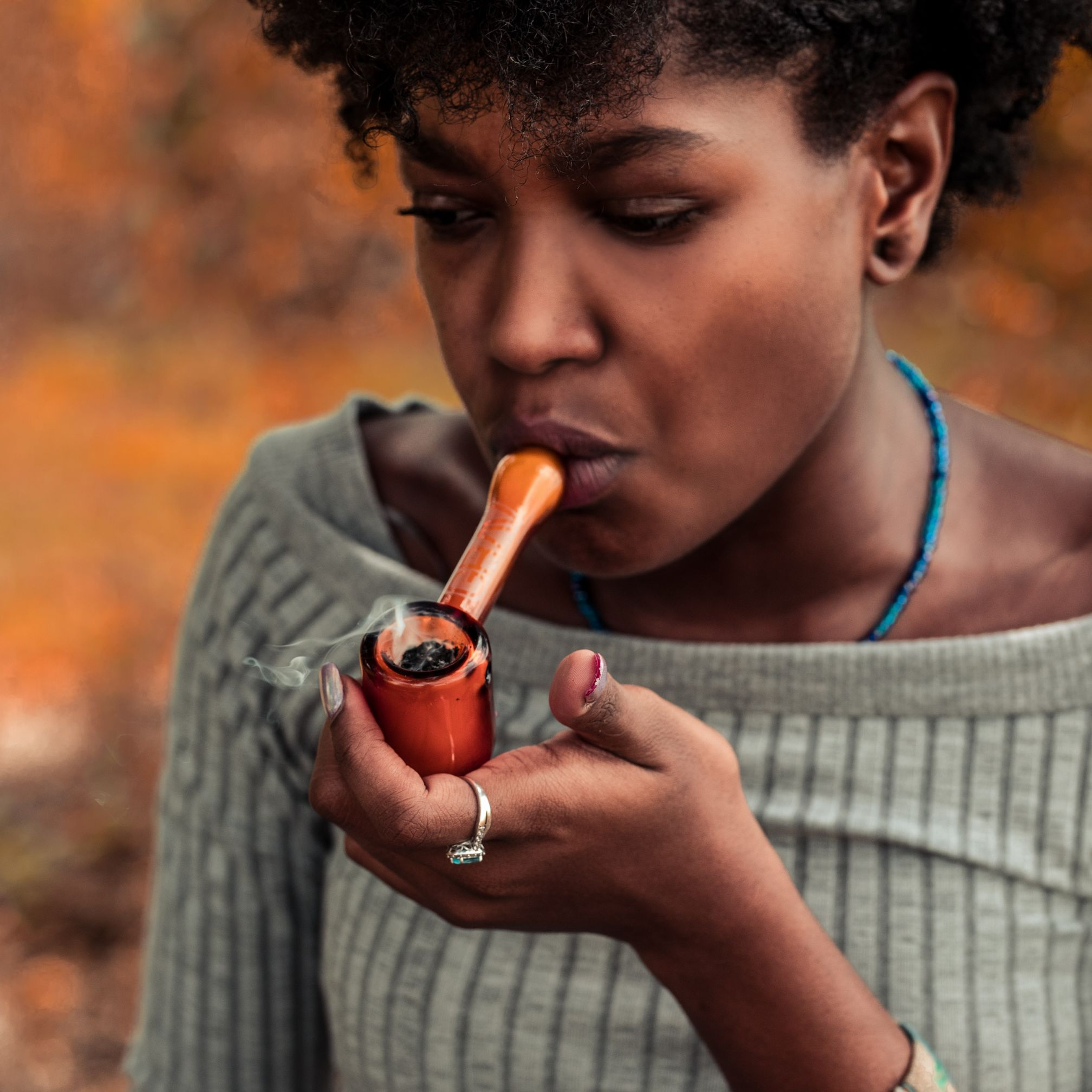 5 Ways in Which Women React Differently to Cannabis Than Men